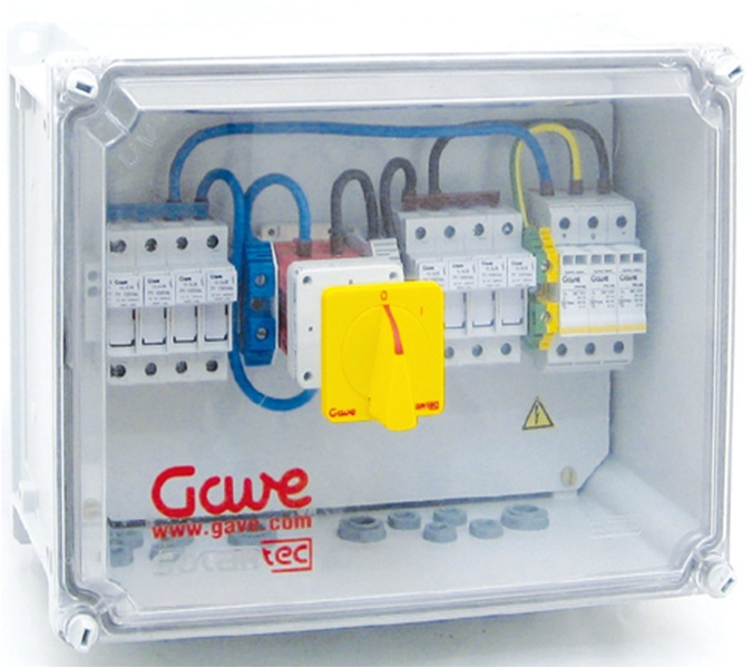 PV Combiner box with string fuses and DC Isolator