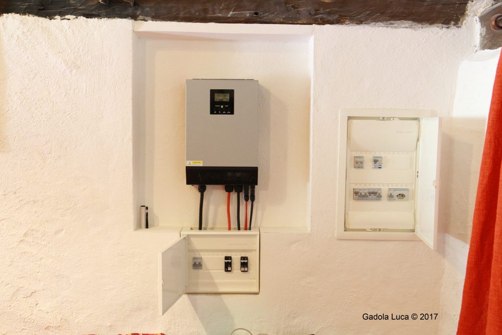 3KW off grid inverter, from Voltacon.