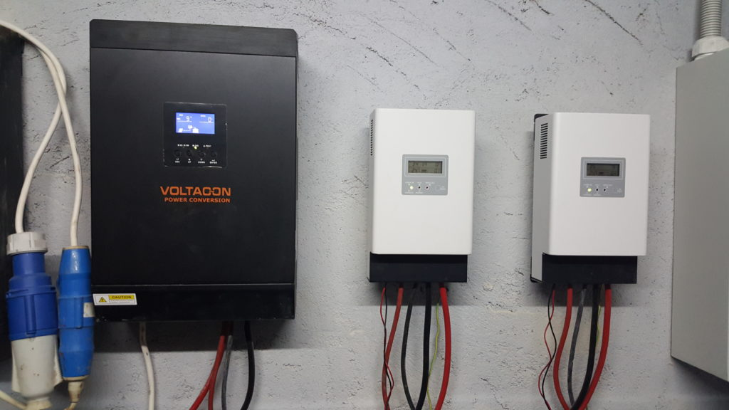 5kW MPPT Charge Inverter operates in parallel with the SCC MPPT Solar Charger 3kW.