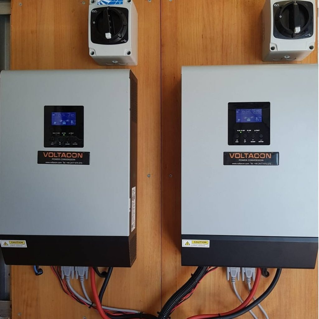 Two solar inverters (Conversol 5kW) run is parallel mode feeding 10kW in a single phase. The systme is installed in Spain